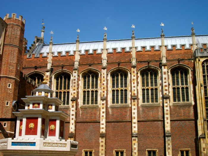 Inner-Courtyard-Hampton-Court-Palace