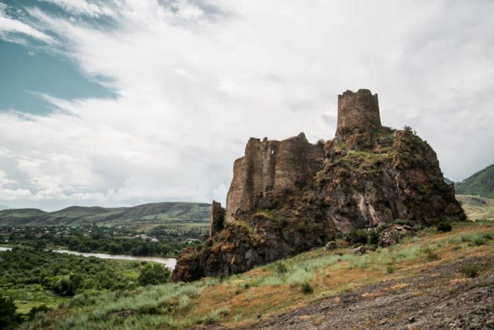 Visiting the ruins of Atskuri in Georgia