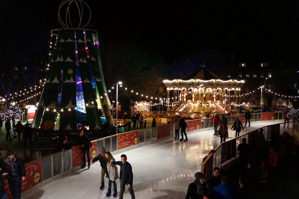 edinburgh-skating-st-andrew-square